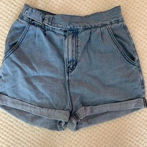 Urban Outfitter BDG high waisted short Size 2